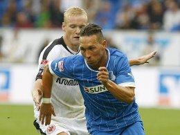 Letzter Auftritt in der Bundesliga: Tobias Weis am 1. September gegen Frankfurt mit Sebastian Rode.