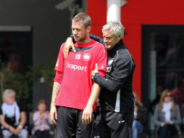 Marco Russ und Armin Veh beim Frankfurter Trainingsauftakt vor der Saison 2011/12