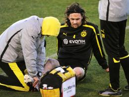 Schmerz lass nach: Dortmunds Innenverteidiger Neven Subotic hat sich im Training verletzt.