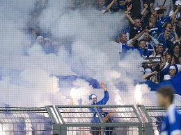 Teurer Spaß: Schalke muss nach verschiedenen Ausschreitungen tief in die Tasche greifen.