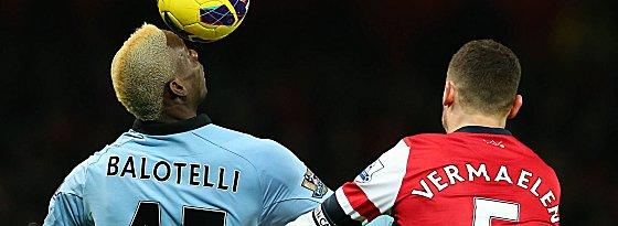 Wie lange noch gegen Vermaelen & Co.? Mario Balotelli wird nachhaltig mit einem Wechsel zu Milan in Verbindung gebracht.