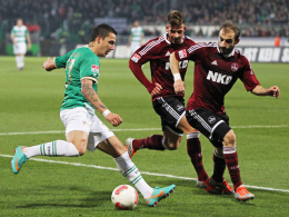 Umworben: Greuther Fürths Flügelflitzer Sercan Sararer, hier links gegen den 1. FC Nürnberg.