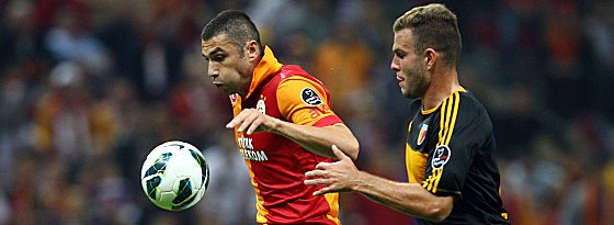 Rückkehr nach Deutschland: Berkay Dabanli (li. Burak Yilmaz von Galatasaray) spielt beim Club vor.