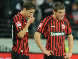 Krank: Pirmin Schwegler (li.) und Sebastian Jung fehlen gegen Hoffenheim.