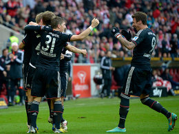 Die Bayern jubeln in Mainz - 3:0 durch Müller und zweimal Mandzukic.