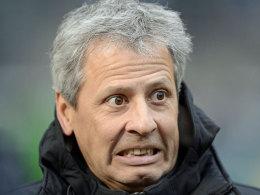 Gladbachs Trainer Lucien Favre sah einen Elfmeter zuviel in Nürnberg und stößt eine Grundsatzdebatte an.