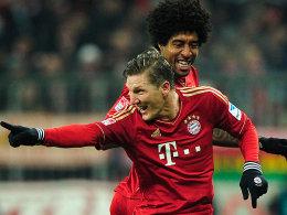 Schweinsteiger jubelt über seinen sehenswerten Freistoßtreffer zum zwischenzeitlichen 2:0 gegen Schalke.