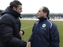 Zwischenlösung: Ludwig Preis führt die Fürth-Profis an, bis der neue Coach verpflichtet ist. Links Martin Meichelbeck, Leiter der Lizenzabteilung.