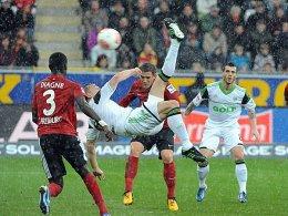 """Die """"perfekte Aktion"""": Wolfsburgs Ivica Olic erzielte ein traumhaftes Tor."""