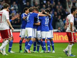 Schalke jubelt geschlossen, der HSV zerfiel einmal mehr in seine Einzelteile.