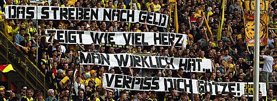 Klare Botschaft am Samstag: BVB-Fans und ihre Meinung vom Götze-Transfer.