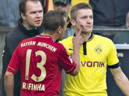 Fingerzeig a la Rafinha: Der Brasilianer wird in dieser Bundesliga-Saison nicht mehr zum Zug kommen.