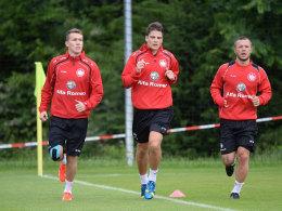 Luca Waldschmidt mit Pirmin Schwegler und Stephan Schröck