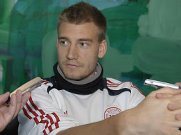 Arsenal striker Nicklas Bendtner in Frankfurt discussing Eintracht transfer [Kicker]