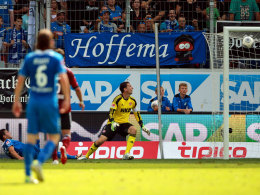 Volland und FCN-Keeper Schäfer