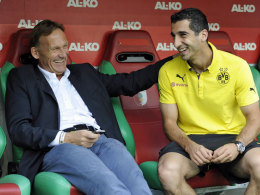Gutgelaunt trotz Länderspiel-Absage: Dortmunds Henrikh Mkhitaryan, hier mit BVB Geschäftsführer Hans-Joachim Watzke.