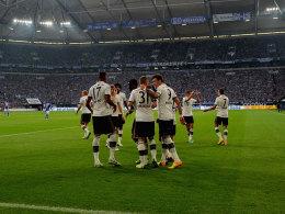 Alles im Griff in der Schalker Arena: Die Bayern besiegten S04 klar.