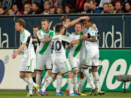 Jubel in Augsburg: Der VfL siegte 2:1.