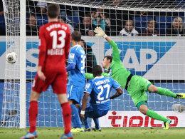 Eindeutig kein Tor: Leverkusens 2:0 durch Kießling.