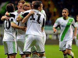 Wolfsburg jubelte zweimal in Frankfurt und springt auf Platz fünf
