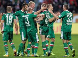 Hahn im Korb: Augsburgs gleichnamiger Offensivmann (Mi.) erzielte gegen Mainz einen Doppelpack.