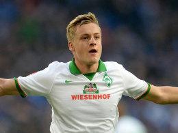 Felix Kroos jubelt auf Schalke