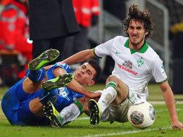 Beste Unterhaltung: Hoffenheims Volland gegen den Bremer Garcia.