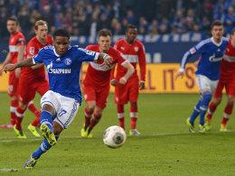 Treffsicher von Punkt: Der Schalker Farfan vollstreckt zum 2:0.