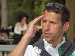 Und tschüss! Bremens Manager Thomas Eichin schaute im Trainingslager vorbei und machte sich dann auf nach Turin.