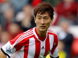 Trikotwechsel: Dong-Won Ji - hier noch im Sunderland-Dress wird nach einem FCA-Abstecher zum BVB wechseln.