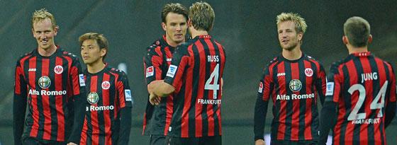 Siegtorschütze gegen Hertha: Der Frankfurter Meier (Mi.).