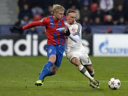 Frantisek Rajtoral im Duell mit Franck Ribery