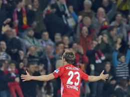 Volltreffer: Schuster machte das 1:0 für Freiburg.