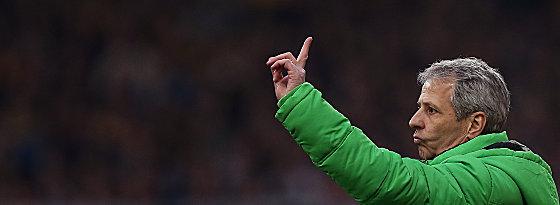 War nicht mit allem zufrieden, mit der Chancenverwertung seines Angriffs allerdings schon: Borussen-Coach Lucien Favre.