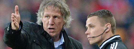 Regte sich in Freiburg über seinen Trainerkollegen Christian Streich und die Schiedsrichter auf: FCN-Coach Gertjan Verbeek.