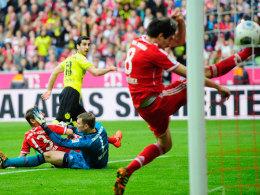 Schneller Streich: Mkhitaryan trifft zum 1:0.