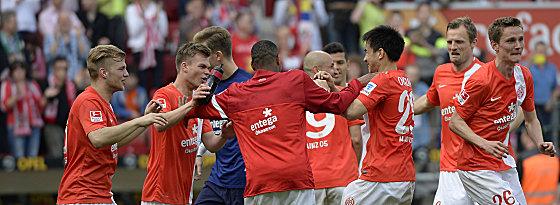 Mainzer nach dem 3:0-Sieg gegen Bremen