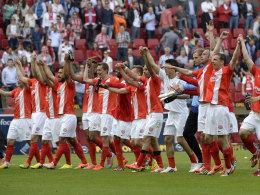 Die Mainzer Profis jubeln über das 3:0 gegen Werder Bremen