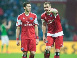 Plan B: Hakan Calhanoglu geht zu Bayer und finanziert so den Transfer von Pierre-Michel Lasogga (re.) zum HSV.