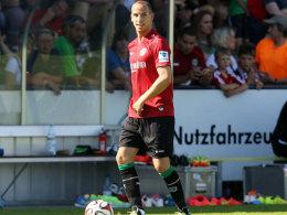 Verschoss erst einen Elfmeter und traf spät zum 1:1: Hannovers Jan Schlaudraff.