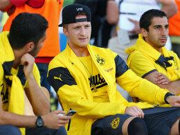 Bereits wieder im Kreise der Mannschaft: BVB-Star Marco Reus (Mitte) macht gute Fortschritte.