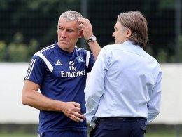 Schauen sich Verstärkungen um: HSV-Coach Mirko Slomka und Dietmar Beiersdorfer.