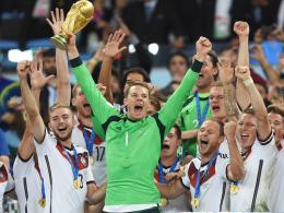 Fußballer des Jahres 2014: Weltmeister Manuel Neuer wiederholte seinen Triumph von 2011.