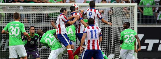 Damit fing es an: Raul Garcia schraubt sich nach einer Ecke hoch und köpft zum 1:0 für die Gäste ein.