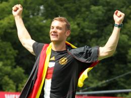 Halb Keeper, halb Libero - das fasziniert: Manuel Neuer wurde zum zweiten Mal zum Fußballer des Jahres gewählt.