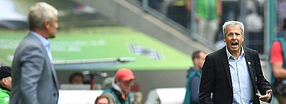 Armin Veh (li.) und Lucien Favre während des Spiels.