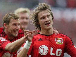 Leverkusens Jedvaj traf hinten und vorne.