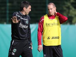96-Trainer Tayfun Korkut und Jan Schlaudraff
