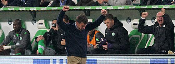 Sieg gegen den HSV: Wolfsburgs Coach Dieter Hecking.