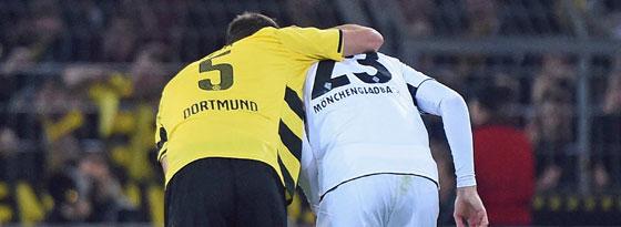 Sebastian Kehl tröstet Christoph Kramer.